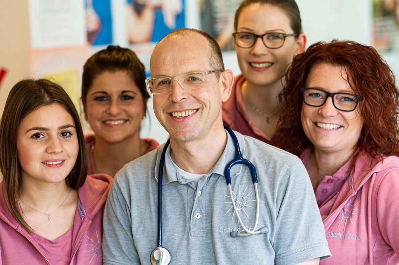 Kinderarzt Neviges Team